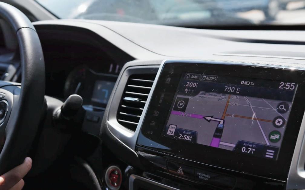 Sistema de navegação é o que mais distrai os motoristas, diz estudo (Foto: Divulgação AAA)