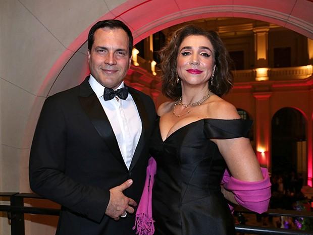 Daniel Boaventura e Marisa Orth (Foto: Denise Andrade e David Mazzo/ Divulgação)