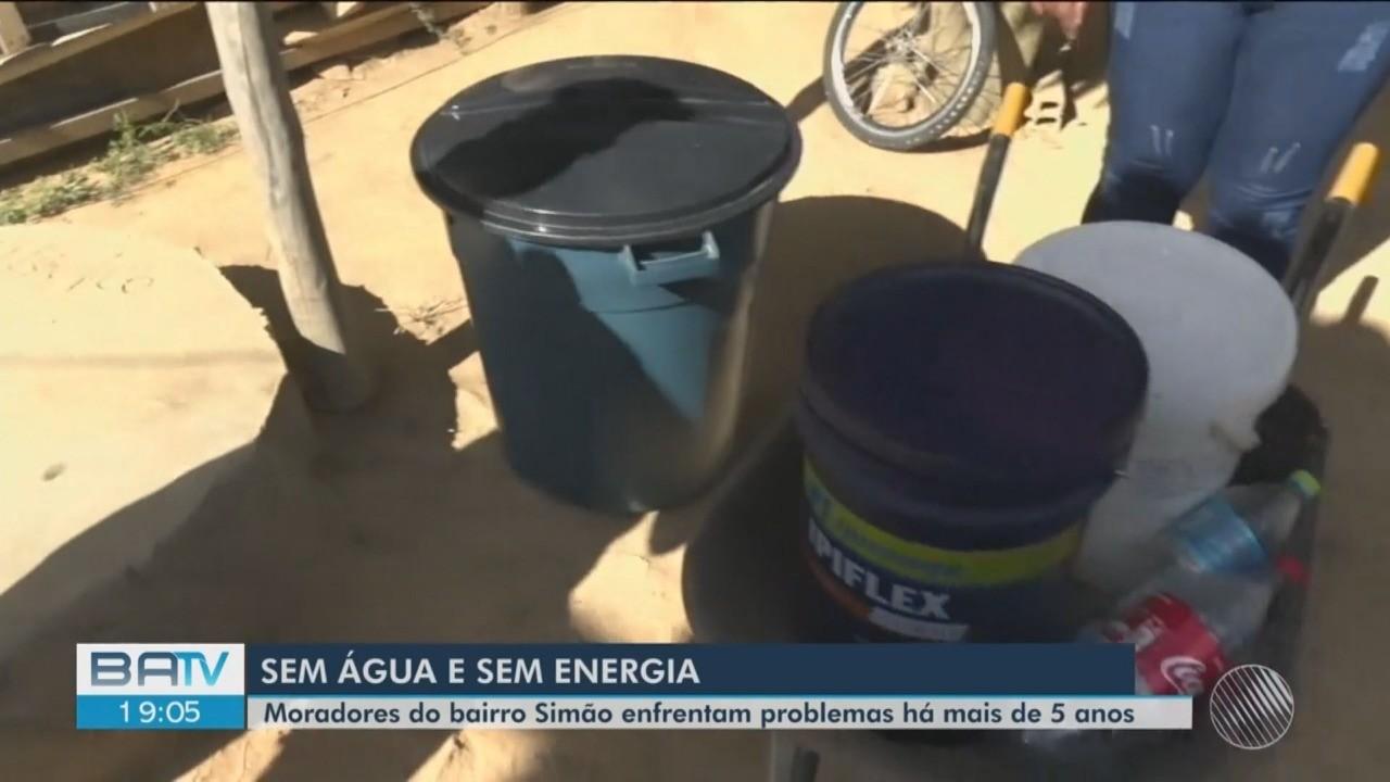 Moradores de bairro em Vitória da Conquista reclamam da falta de fornecimento de água e energia: 'Difícil viver assim'