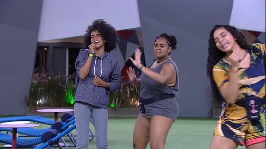 Rízia, Gabriela e Elana dançam e cantam 'Como uma Deusa' no jardim
