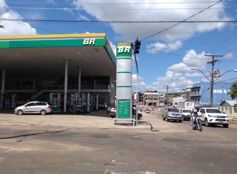 Preço da gasolina sobe 50 centavos em uma semana e chega a R$ 5,45 em Cruzeiro do Sul