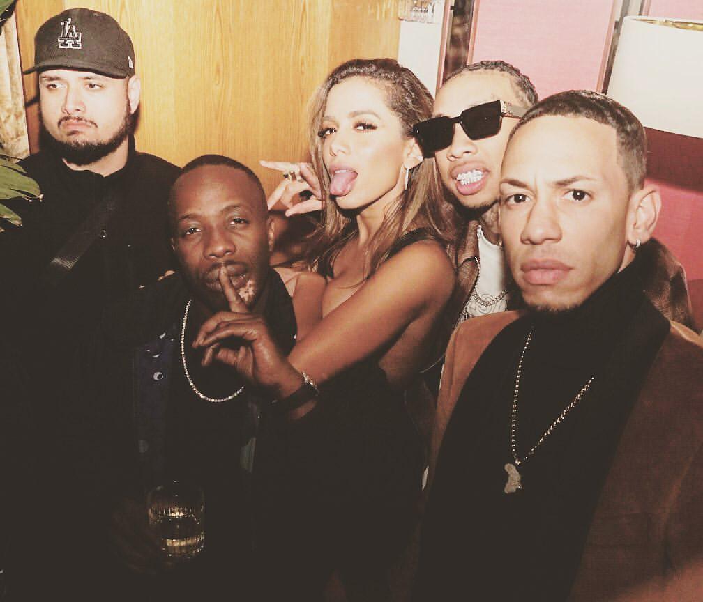 Anitta prepara parcerias com rappers enquanto promove 'Rave de favela'
