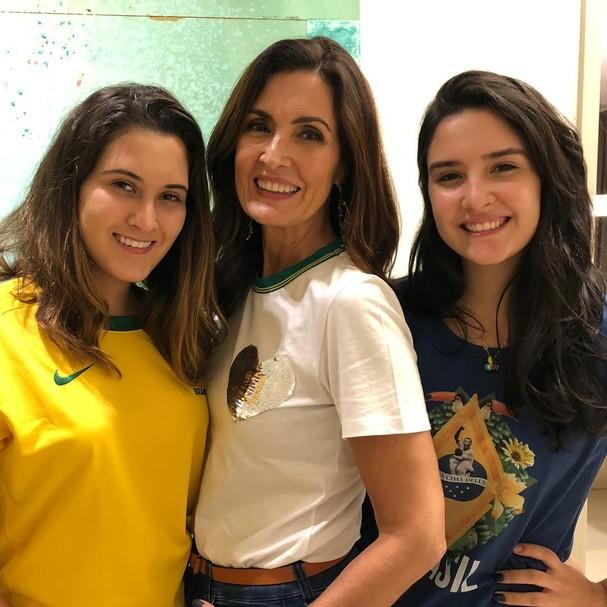 Fátima Bernardes e filhas (Foto: Reprodução/Instagram)