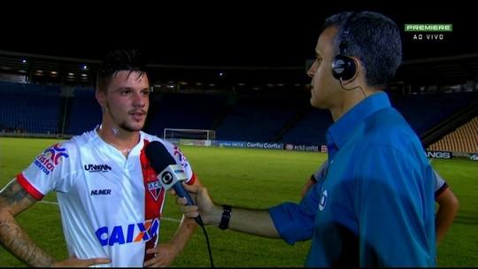 """Autor do gol da vitória do Atlético-GO, Renato Kayser comemora: """"Muito feliz"""""""