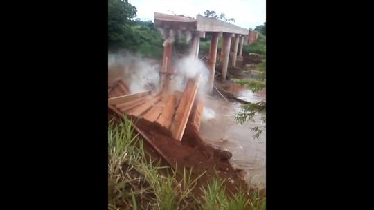 Ponte de concreto que vai substituir a que caiu como um dominó em Guia Lopes da Laguna, MS, está 91% concluída