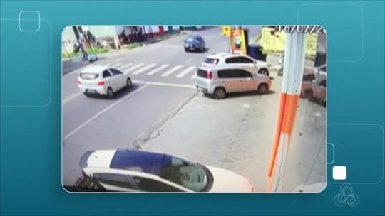 Motorista que invadiu contramão e atingiu moto com 3 pessoas em Manaus disse que teve 'mal súbito' ao volante