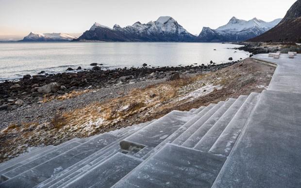 Paisagem na Noruega ganha banheiro público tão bonito quanto ela (Foto: Divulgação)