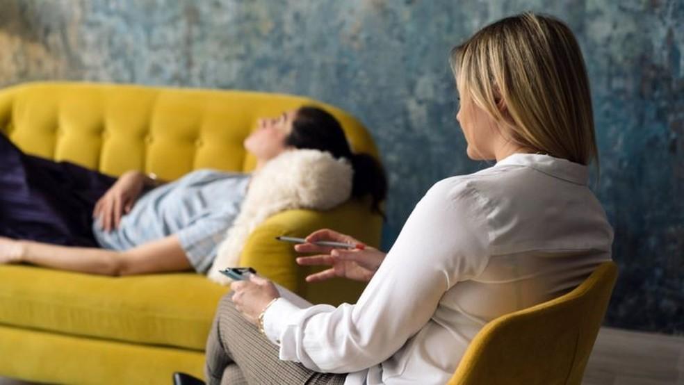 Quando a ruminação dos medos atrapalha seu comportamento, você deve procurar a ajuda de um profissional — Foto: Getty Images via BBC
