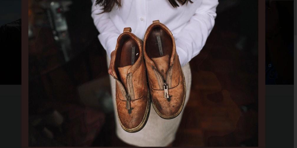 019913420 ... Sapatos usados pela deputada eleita por Nova York Alexandria  Ocasio-Cortez — Foto: Reprodução