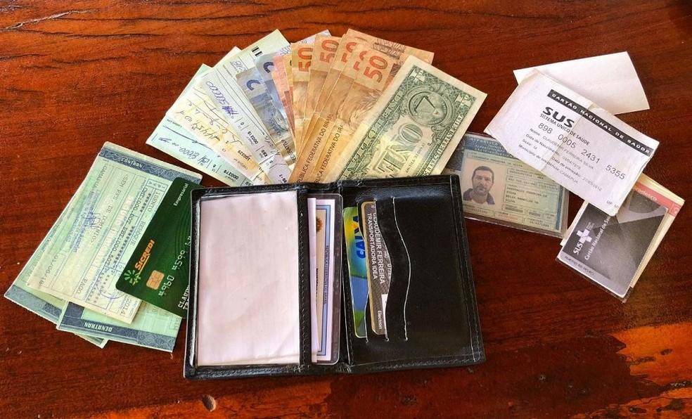 Carteira continha cerca de R$ 18 mil e documentos (Foto: Arquivo Pessoal/Facebook)