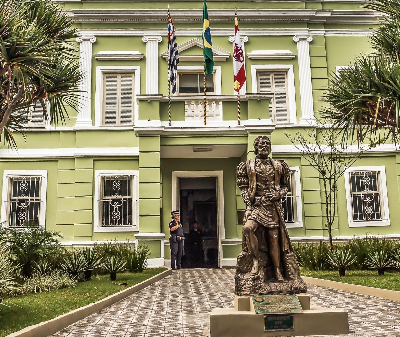 São Vicente, SP, promove 'Drive-thru Solidário' para arrecadar doações