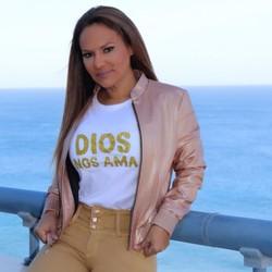 Cantora Sandra Sandovals, que canta a versão em espanhol do samba da Estácio de Sá