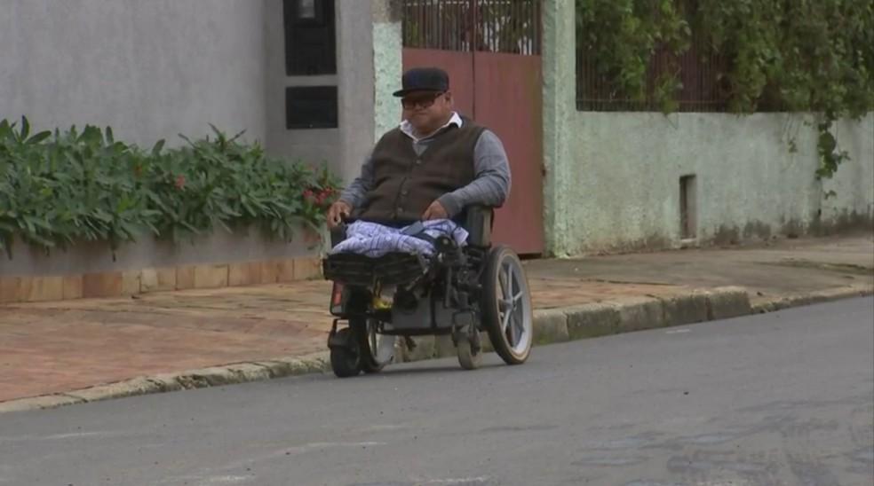 Xigueo Nakagawa diz que a sensação é de tristeza após ter sido assaltado em São Miguel Arcanjo (Foto: Reprodução/TV TEM)