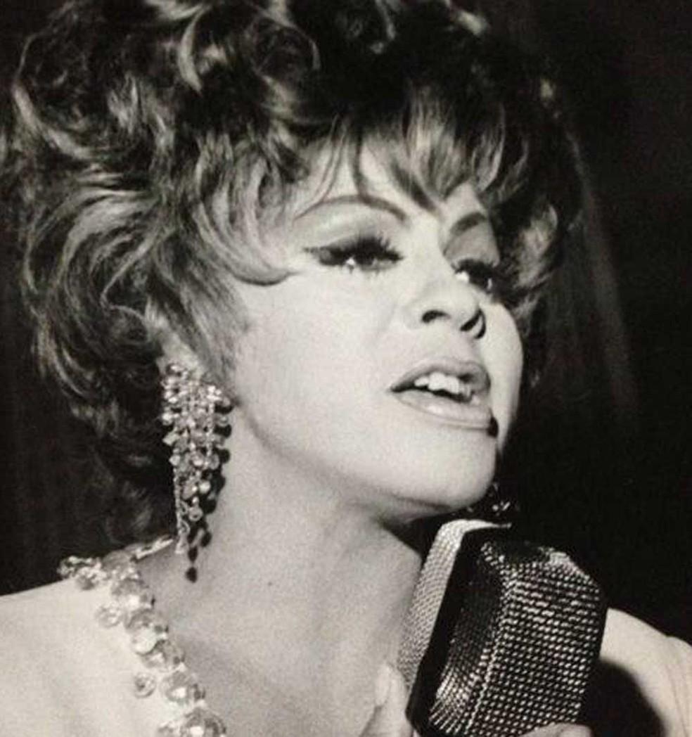 A cantora Angela Maria no início da carreira — Foto: Reprodução / Facebook