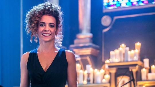 Laila Garin encarna mãe desesperada em 'Sob Pressão': 'Saía do set de alma lavada'