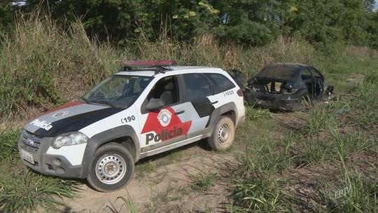 PM encontra desmanche de carros e prende suspeitos em canavial de Cosmópolis, SP