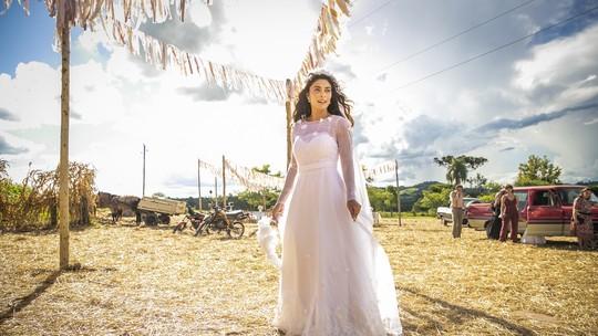 Juliana Paes mostra os bastidores do casamento de Amadeu e Maria da Paz, protagonistas de 'A Dona do Pedaço'