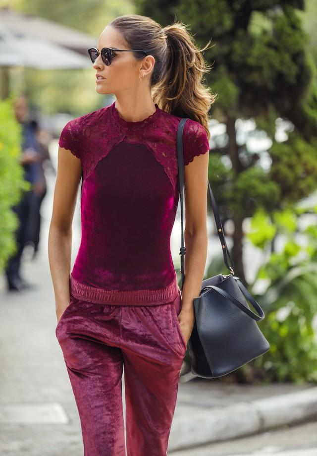 Hope Trend traz inspirações para tendência outwear com Izabel Goulart (Foto: Jacques Dequeker)