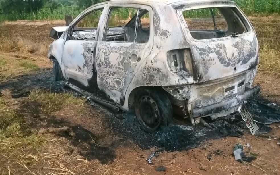 Carro usado no crime foi encontrado incendiado em Pedregulho (SP)