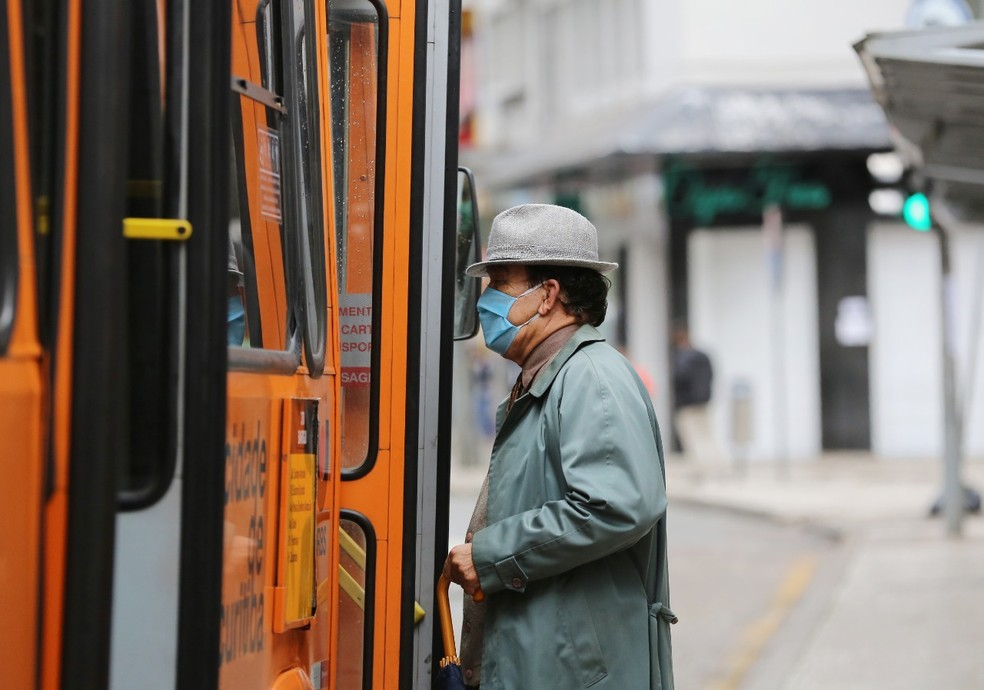Curitiba volta à bandeira laranja de restrições contra a Covid-19 — Foto: Giuliano Gomes/PR Press