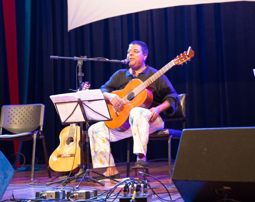 Amauri Falabella se apresenta em Caldas (MG) (Foto: Kaique Falabella/Divulgação)