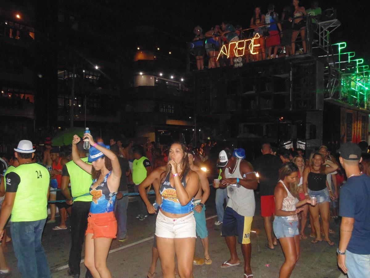 Quarta-feira de Cinzas tem blocos de Carnaval em Cabo Frio, no RJ