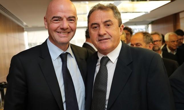 Gianni Infantino, presidente da Fifa, e Francisco Novelletto, presidente da Federação Gaúcha
