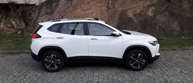 Chevrolet Tracker Premier 2022 em test-drive na Rebimboca