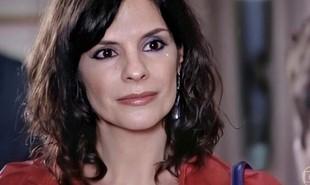Na segunda-feira (7), Chiara (Helena Ranaldi) vai morrer no táxi de Vilma (Arlete Salles) | Reprodução