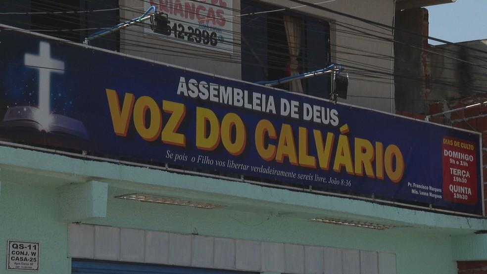 Fachada da igreja Assembleia de Deus, voz do Calvário, na QS 11, do Areal, no DF — Foto: TV Globo/Reprodução