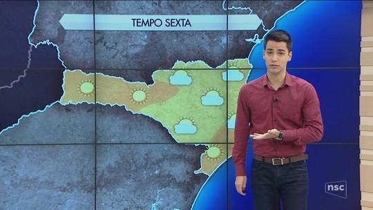 Geada deixa campos brancos na Serra Catarinense; veja fotos