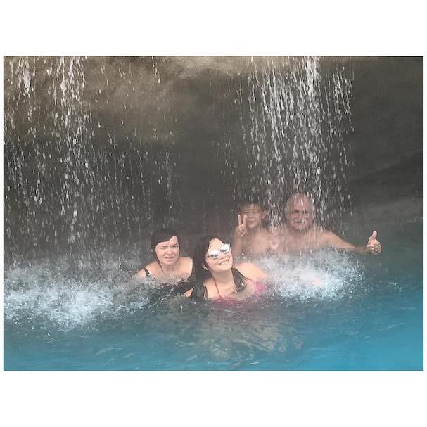Geisy Arruda e família (Foto: Reprodução/Instagram)