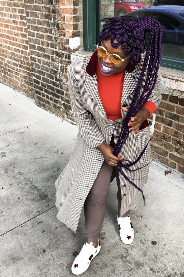 Susy também aproveita a sua expertise para criar tranças fora da caixa nela mesma (Foto: Reprodução Instagram @africancreature)
