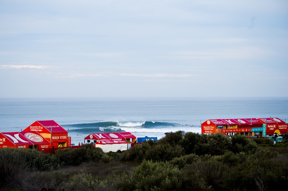 Trestles é considerada uma das ondas de mais alta performance do Tour — Foto: WSL