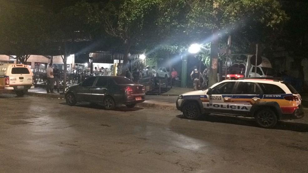 Militar estava de folga e com os amigos em um restaurante em Montes Claros. (Foto: Juliana Peixoto/G1)