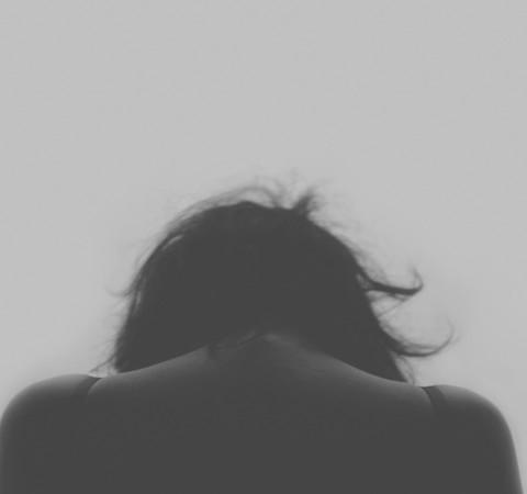 Como aliviar uma crise de ansiedade quando você está sozinho