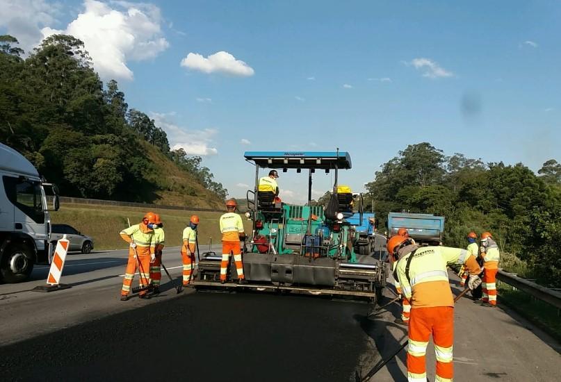Trechos da rodovia Bandeirantes  passam por obras na região de Jundiaí