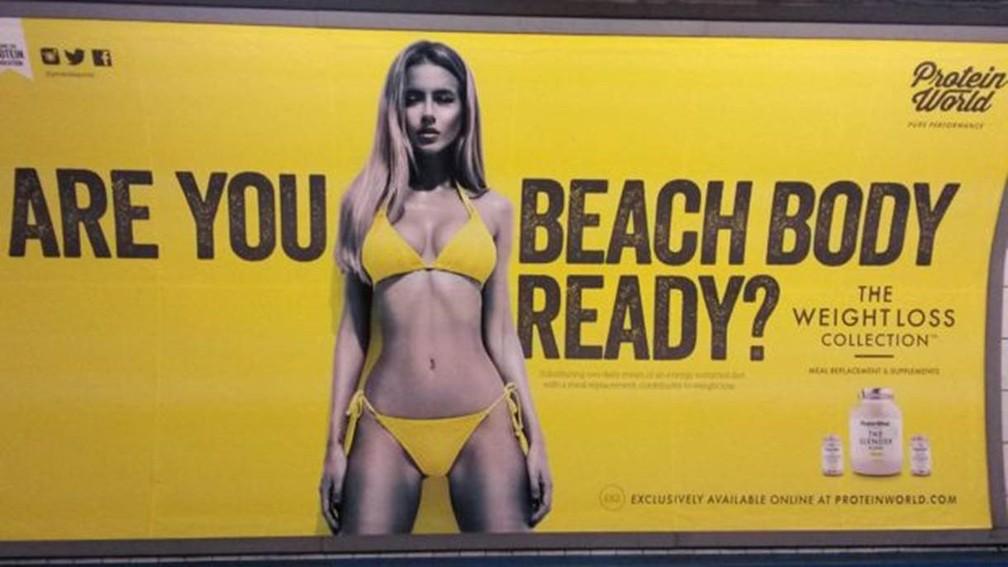 Anúncio de empresas de suplementos exibido em estações de metrô de Londres — Foto: Reprodução