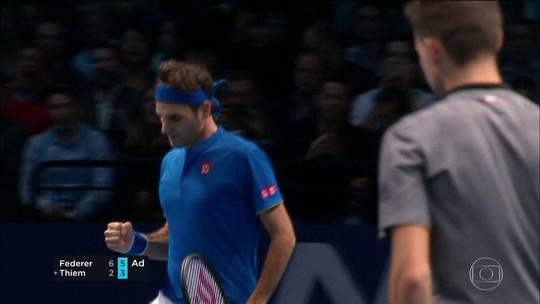 Federer vence Thiem e Bruno Soares e Jaime Murray estão nas semis do Torneio dos Campeões