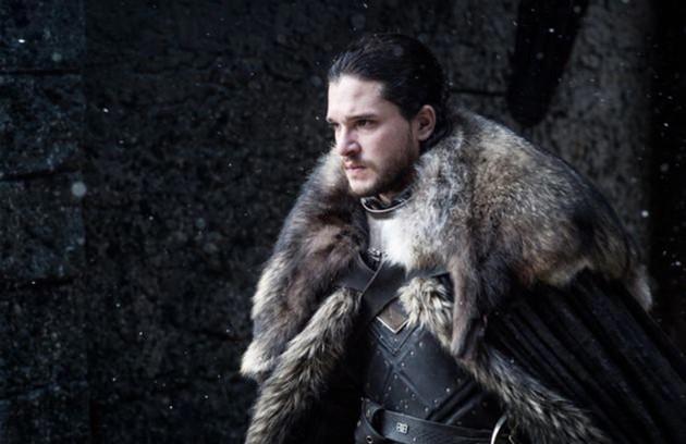O tal pacto teria sido feito por um Stark, que, segundo a teoria, se casou com uma 'noiva-cadáver' para selar a paz entre humanos e walkers. Assim, Jon teria sangue de caminhante branco, o que explicaria, entre outros pontos, sua resistência ao frio (Foto: HBO)