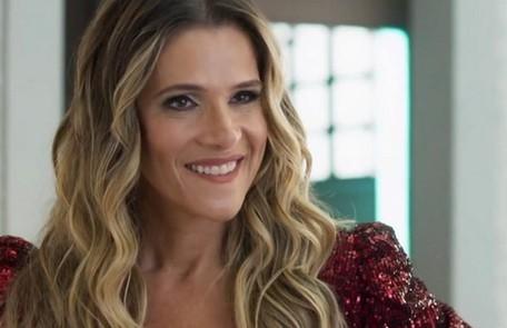 Na sexta-feira (30), Silvana aparecerá na editora acompanhada de um oficial de Justiça e incendiará os exemplares do seu livro TV Globo