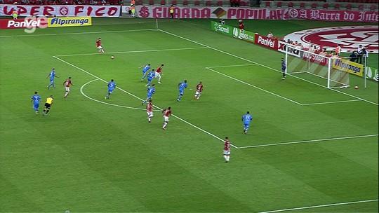 Garçom, Sobis vira líder em assistências e participa de quase um terço dos gols do Inter