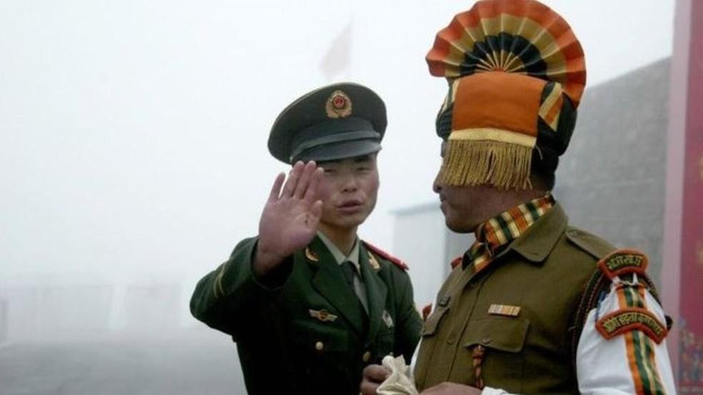 Índia e China entraram em conflito sobre quem possui território no alto do Himalaia — Foto: Getty Images/BBC