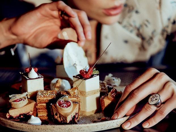 Sobremesas do restaurante Matryoshka, do restaurateur Andrey Dellos (Foto: Divulgação e Reprodução)