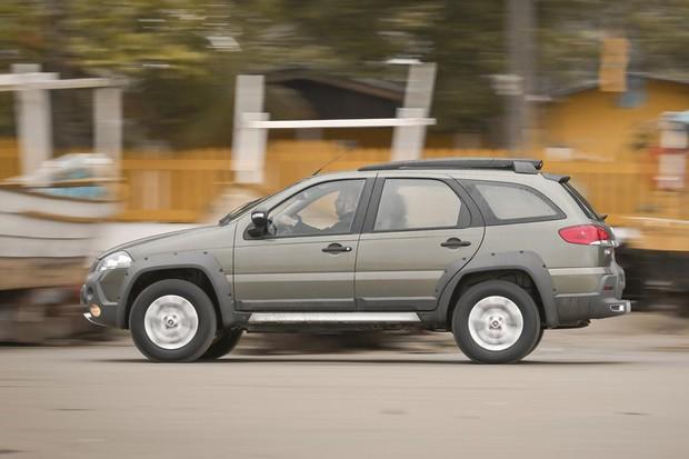 Fiat Weekend Adventure vem sempre com motor 1.8 de 132 cv (Foto: Divulgação)