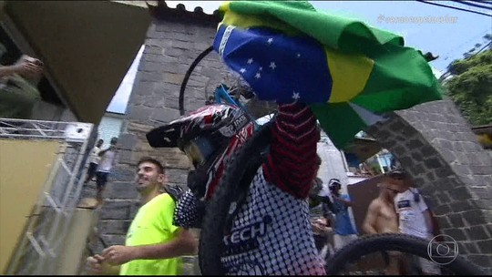 Gringos tentam destronar Gabriel Giovannini na Descida das Escadas de Santos