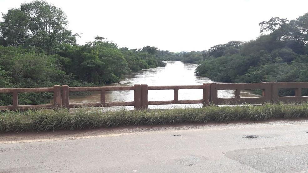 Rio Jaru transborda quando atinge 9 metros (Foto: Rinaldo Moreira/ Rede Amazônica)