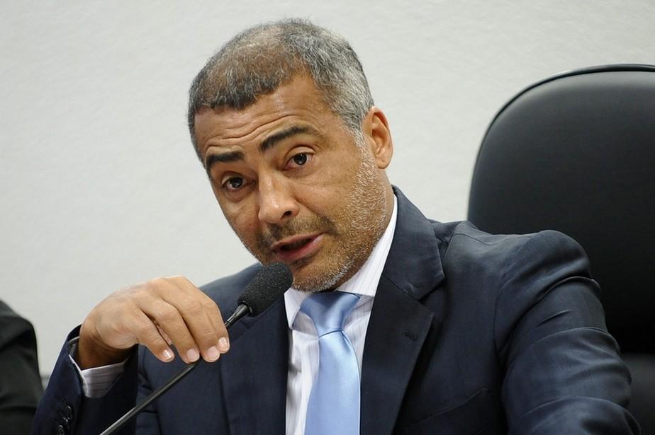 Romário entra com representação no MPF para pedir cancelamento da eleição na CBF