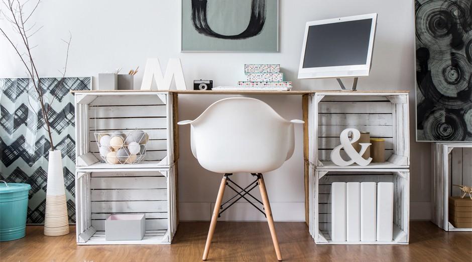 Saiba como fazer um espaço de trabalho agradável e produtivo em um espaço pequeno (Foto: Pinterest)