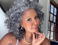 Grisalhas: conheça a beleza das influenciadoras de cabelos brancos